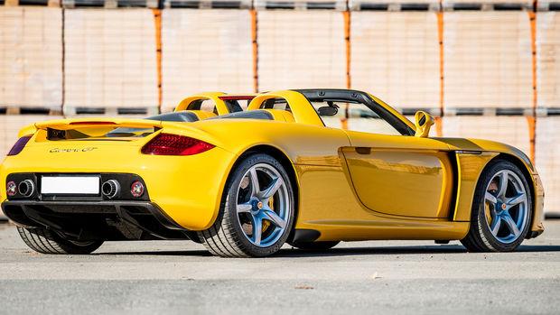 Porsche-Carrera-GT-2004