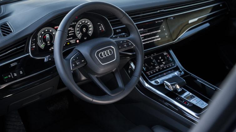 Audi Q7 55 TFSI e interior