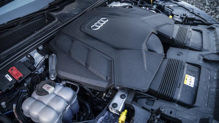 Audi Q7 55 TFSI e_8