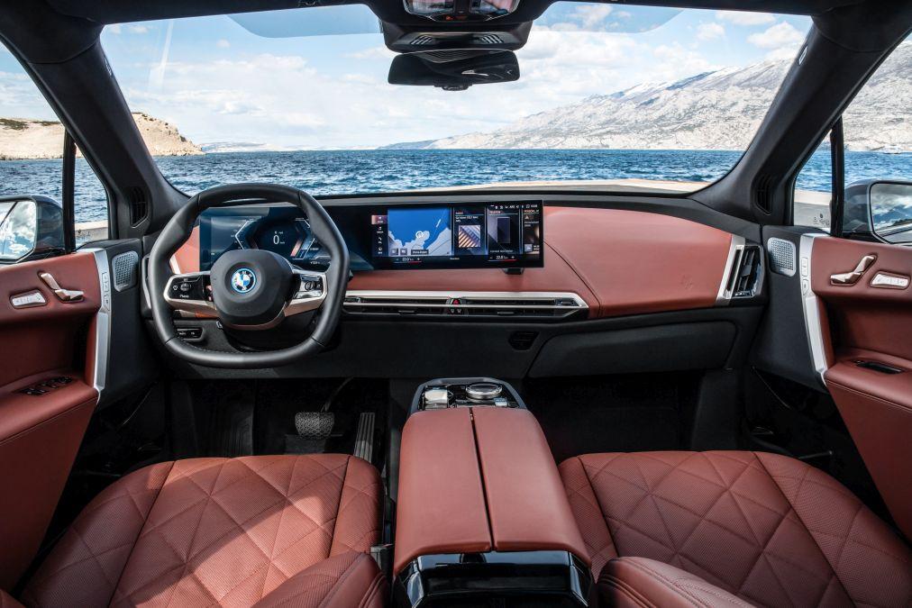 plansa de bord BMW iX