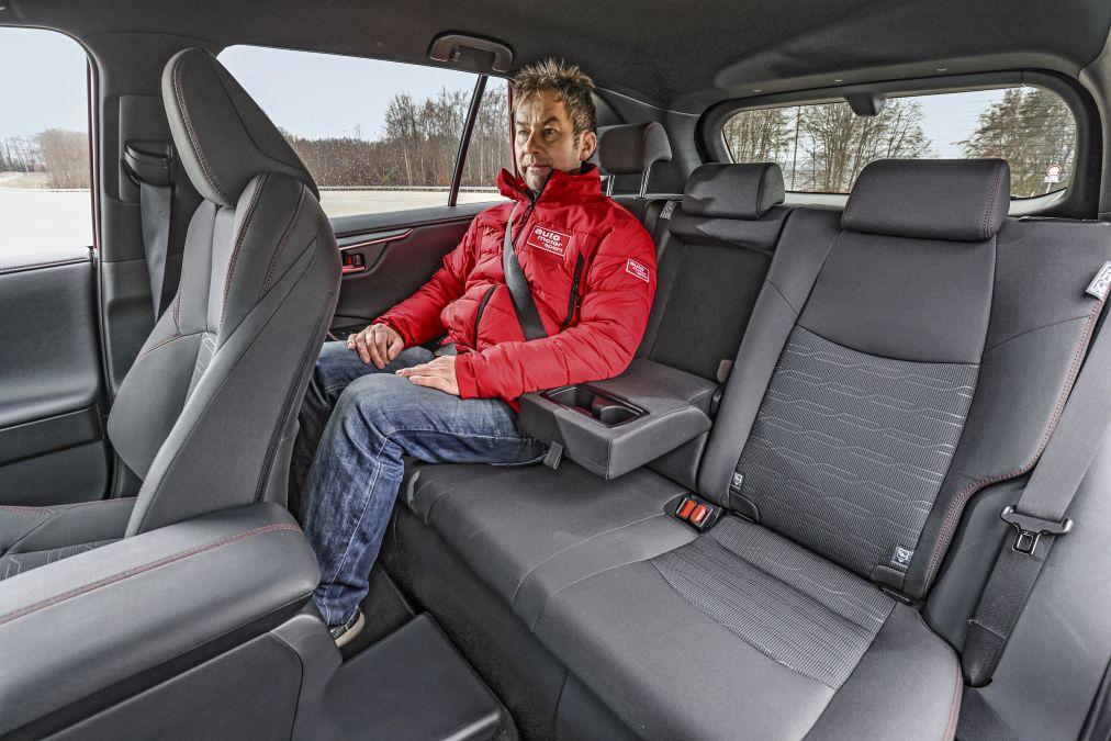test comparativ Toyota RAV4 2.5 PHEV