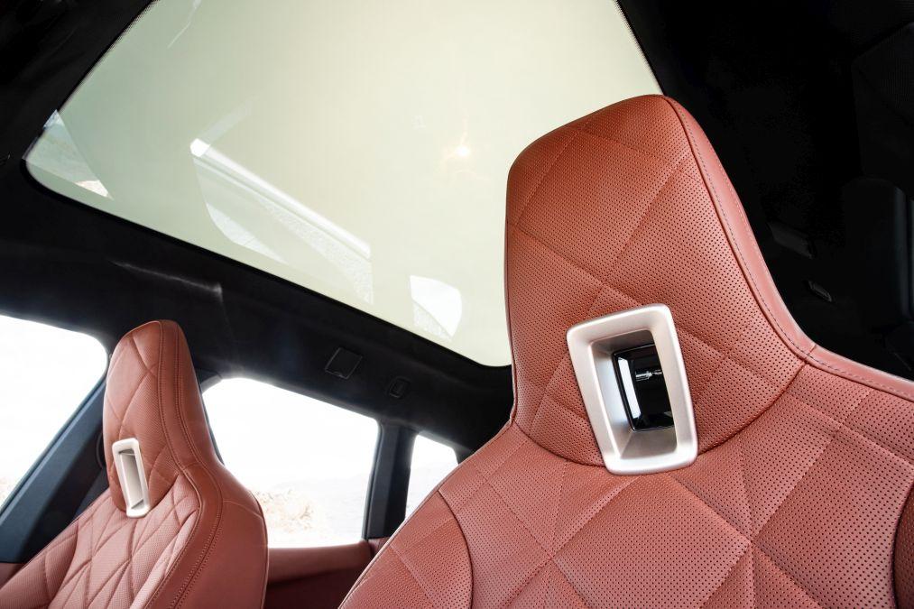 tetiere BMW iX