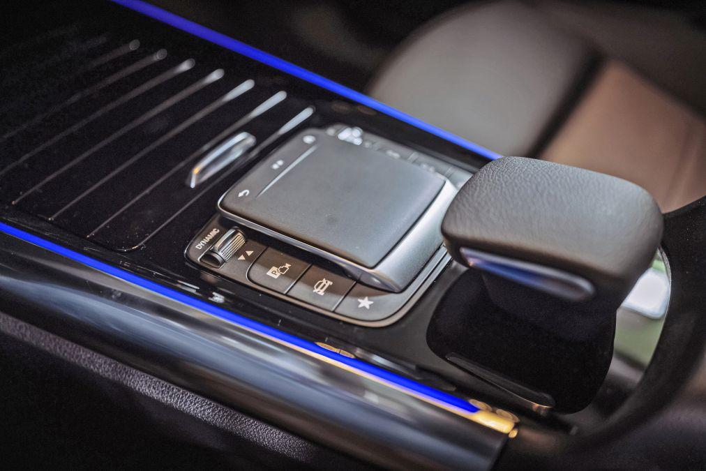 test comparativ Mercedes EQA