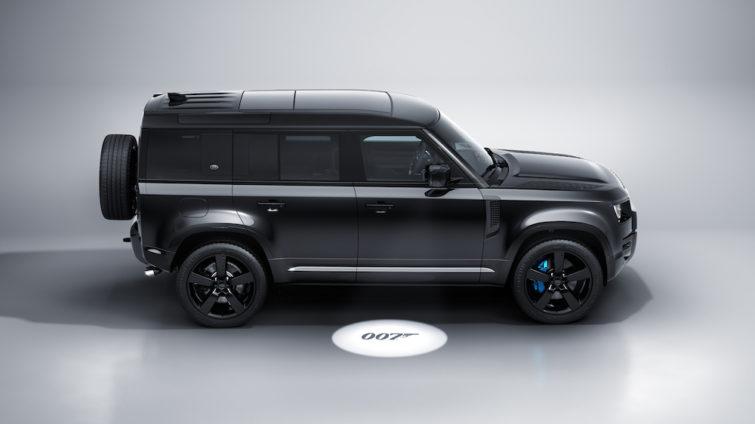 Land Rover Defender V8 Bond Edition_1