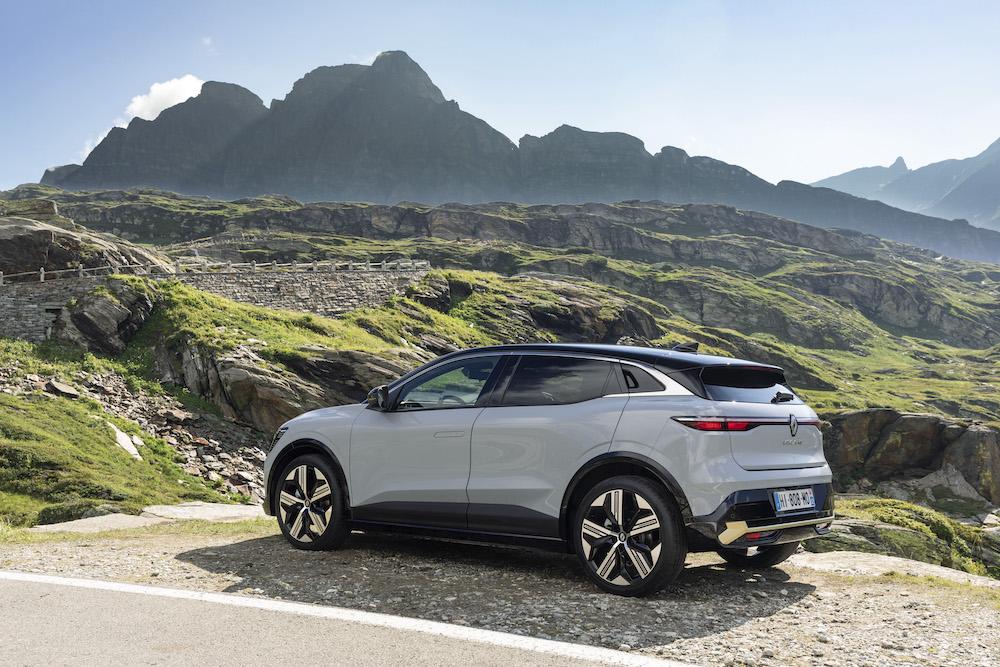 Renault Megane E-Tech electric_5