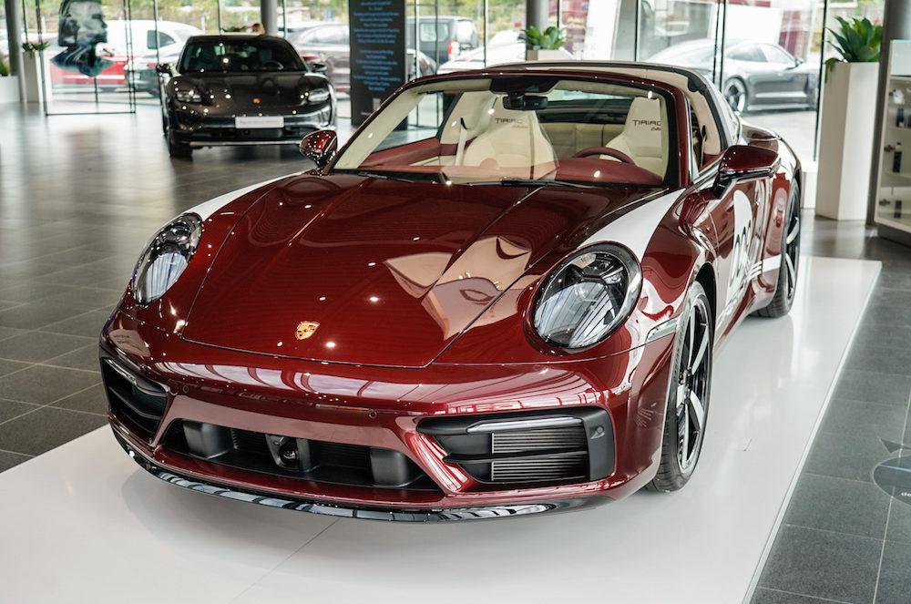 Tiriac Collection - Porsche 911 Targa 4S Heritage Design Edition front